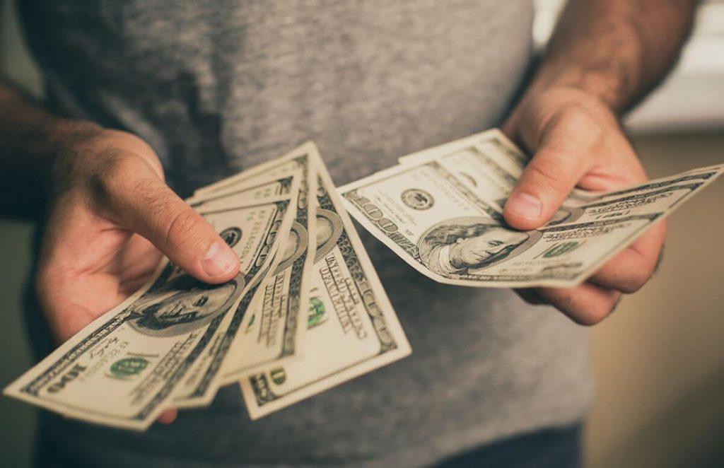 Money Amulet Asli — Ulasan