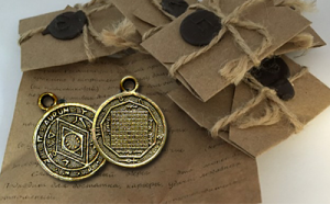 Money Amulet Pesanan hanya diperlukan dari pemasok resmi